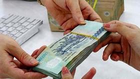 Nhiều khoản thu nhập của cán bộ, công chức bị cắt giảm từ 2021