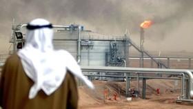 Saudi Arabia lún sâu vào cuộc chiến giá dầu