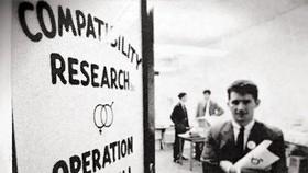 John Patterson - Ông tổ dịch vụ mai mối bằng thuật toán