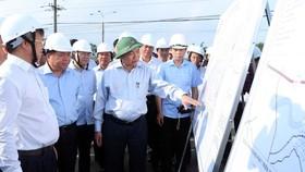 Thủ tướng Nguyễn Xuân Phúc kiểm tra tiến độ dự án sân bay Long Thành
