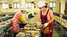 Siết an toàn thực phẩm học đường