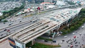 Metro Bến Thành - Suối Tiên đoạn qua đường Điện Biên Phủ.  Ảnh: Cao Thăng