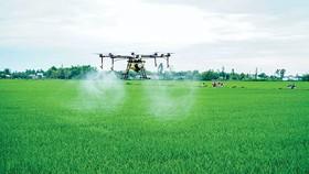 Máy bay phun thuốc trừ sâu tích hợp công nghệ tiên tiến, độ tin cậy cao phun và cảm biến đảm bảo hoạt động chính xác.