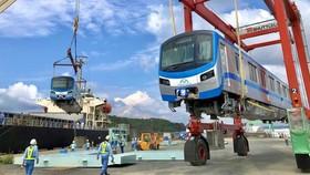 Cận cảnh: Toa tàu metro số 1 đã đến TPHCM