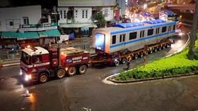 Vận chuyển xuyên đêm đưa 3 toa tàu metro 1 về depot Long Bình