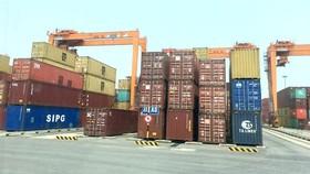"""Dứt khoát tái xuất các container """"rác"""" về nước xuất khẩu"""