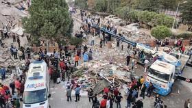 Ít nhất 23 người thiệt mạng, 800 người bị thương do động đất ở Thổ Nhĩ Kỳ và Hy Lạp