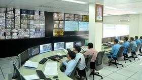 Vận hành Trung tâm Quản lý điều hành giao thông đô thị thông minh. Ảnh: CAO THĂNG