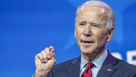 """Ông Biden  """"tiêm vaccine"""" cho nước Mỹ như thế nào?"""