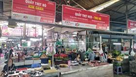 TPHCM: Tiểu thương chợ truyền thống nỗ lực giữ chân khách hàng