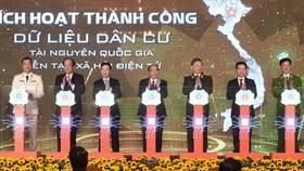 Thủ tướng Nguyễn Xuân Phúc: Đẩy nhanh việc chuyển đổi số trong quản lý dân cư