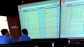 Thị trường chứng khoán được đánh giá  là kênh đầu tư tốt trong năm 2021 Ảnh: HUY PHAN