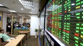 VN Index mở rộng đà tăng, hướng đến thử thách mốc cản 1.300 điểm