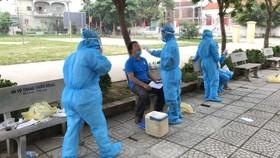 Nghệ An, Thanh Hóa: Cách ly 1.900 hộ dân, gần 2.000 học sinh, giáo viên