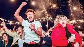 Người Anh ăn mừng Ngày Tự do, bất chấp những mối lo bùng phát làn sóng Covid mới.