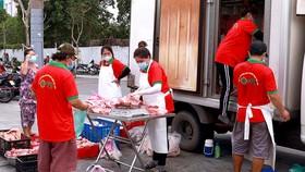 Quận 4 tổ chức xe bán hàng lưu động phục vụ người dân