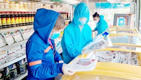 Giãn dân tránh lây nhiễm Covid-19 - Hiệu quả, nhưng khó kiếm mặt bằng
