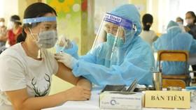 Chính thức rút ngắn khoảng cách tiêm vaccine AstraZeneca còn 6 tuần