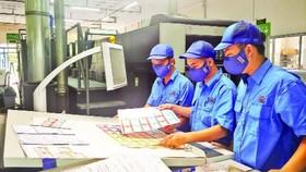 Ứng phó đại dịch: Việt Nam cần chương trình tài khóa lớn