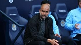 Pep Guardiola mãi mãi trung thành với Man xanh