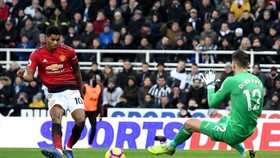 Marcus Rashford ghi bàn thắng thứ 3 trong 4 trận