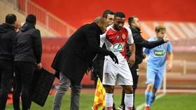 Thierry Henry dặn dò cầu thủ Monaco