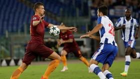 Esen Dzeko sẽ hồi phục kịp để đối đầu Porto.