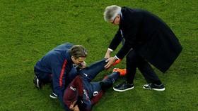 Xương của Neymar quá nhỏ nên nguy cơ tái phát chấn thương rất cao
