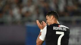Ronaldo hốt hợp đồng 162 triệu euro với Nike