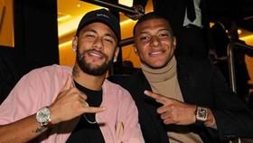 Neymar lấy lòng lại người hâm mộ PSG