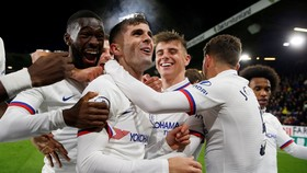 Chelsea ăn mửng chiến thắng