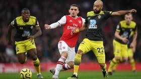 Arsenal - Southampton 2-2: Lacazette cứu nguy Pháo thủ phút 90+6