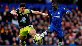Chelsea - Southampton 0-2: The Blues lại 'tặng quà' ở Stamnford Bridge