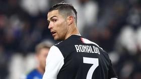 Ronaldo giải quyết 100 vấn đề cho Juventus