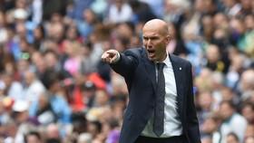 Zidane muốn tống khứ 5 ngôi sao Madrid mất phong độ
