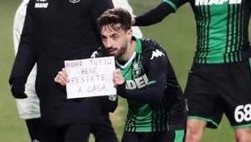 Các cầu thủ Sassuolo muốn  trở lại sân sớm