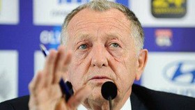 Chủ tịch Lyon là Jean-Michel Aulas kêu gọi tổ chức tiếp Ligue 1
