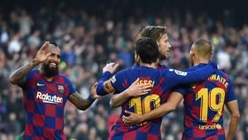 Barcelona sẽ nối lại chiến dịch vào tháng 6