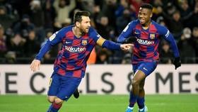 Leo Messi và Ansu Faty