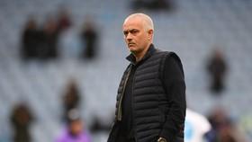 Jose Mourinho đang biến Tottrenham thành đội bóng nhạt nhòa