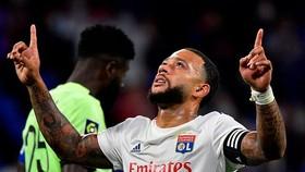 Memphis Depay tier612p tu56c tỏa sáng trên đấu trường Ligue 1