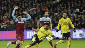 Aubameyang ghi bàn trong trận gặp West Ham.
