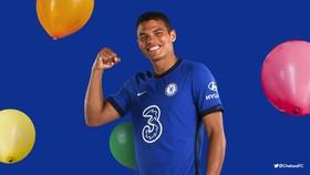 Thiago Silva trong màu áo Chelsea