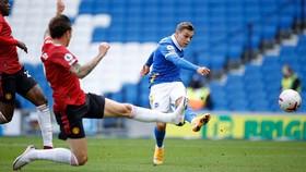 Man United giành chiến thắng may mắn trên sân Brighton