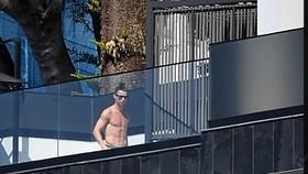 Ronaldo đã ở 2 tâng trên cùng trong thời gian Serie A bị đình hoãn