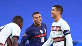 Ronaldo luôn đen đủi trước khung thành tuyển Pháp