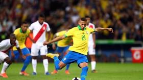 Richarlison ghi bàn tứ chấm 11m trong trận chung kết Copa America 2019
