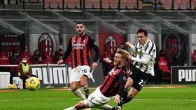 Federico Chiesa tung hoành bên cánh phải làm vỡ nát phòng tuyến Milan