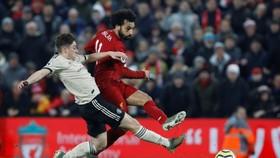 Mo Salah sẽ phải bu2ngh nở mới giúp Liverpool vượt qua Man United.