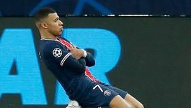Kylian Mbappe ăn mừng bàn thắng